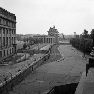 hist_berlin_wall